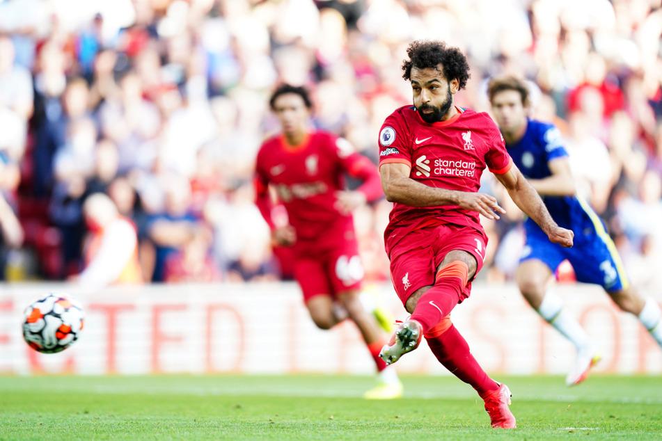 Mohamed Salah (v.) glich per Elfmeter zum 1:1 für den FC Liverpool aus.