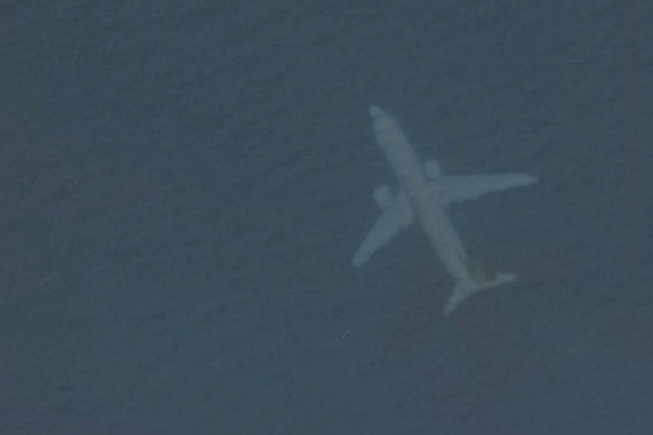 Der Flieger scheint sich unter Wasser zu sein, doch dahinter steckt eine Anomalie.
