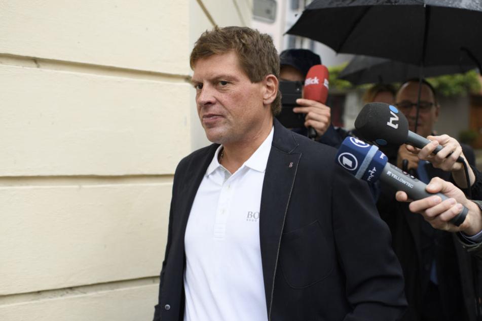 Prügelattacke, Festnahme, Alkoholprobleme: Ex-Radprofi Jan Ullrich (44) hat in den vergangenen Wochen für schlimme Schlagzeilen gesorgt. Jetzt hat er eingesehen, dass er Hilfe braucht.