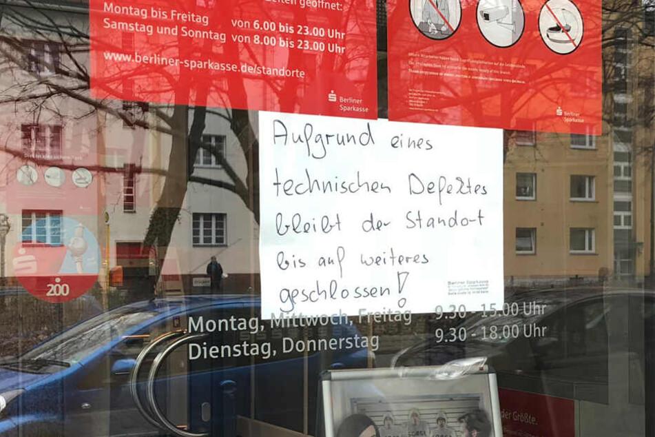 Die Filiale blieb am Sonntag zunächst geschlossen.