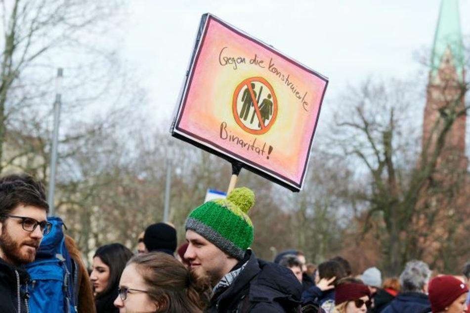 Am 8. März wird künftig Flagge in Berlin gezeigt. (Symbolbild)