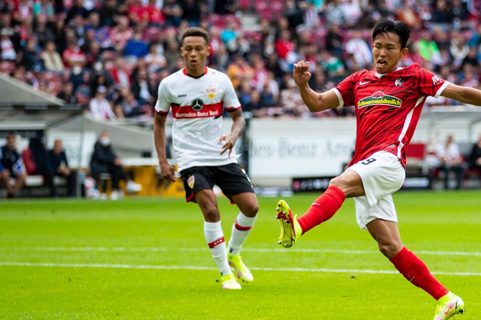 Freiburg nicht zu stoppen: Woo-Yeong Jeong (r.) schießt hier zum 2:0 ein.
