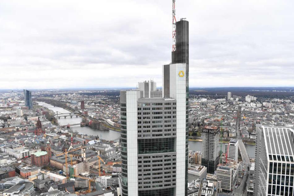 810 Millionen Euro plant die Bank für Abfindungen ein.