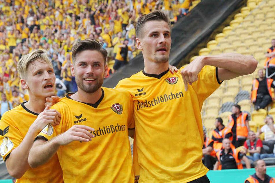 Dynamo-Spieler Stefan Kutschke (r.) wurde zum Pokalhelden der Saison gewählt.