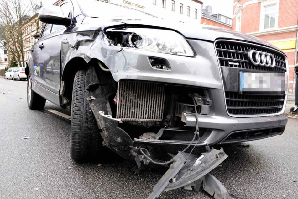 Der Audi ist am Freitag mit einem Seat zusammengestoßen.