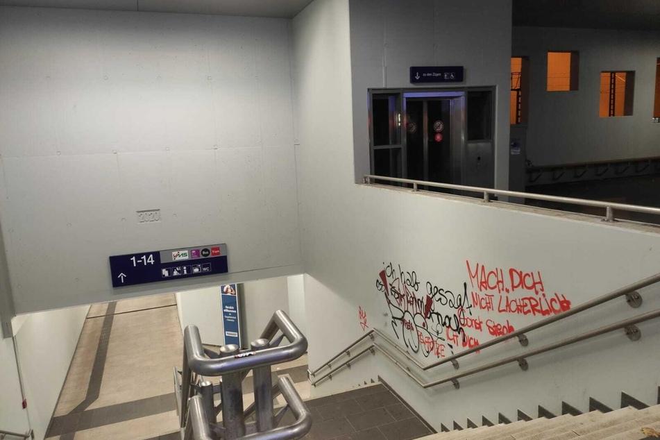 Kein schöner Anblick: Der neue Fußgängertunnel am Chemnitzer Hauptbahnhof wurde beschmiert.