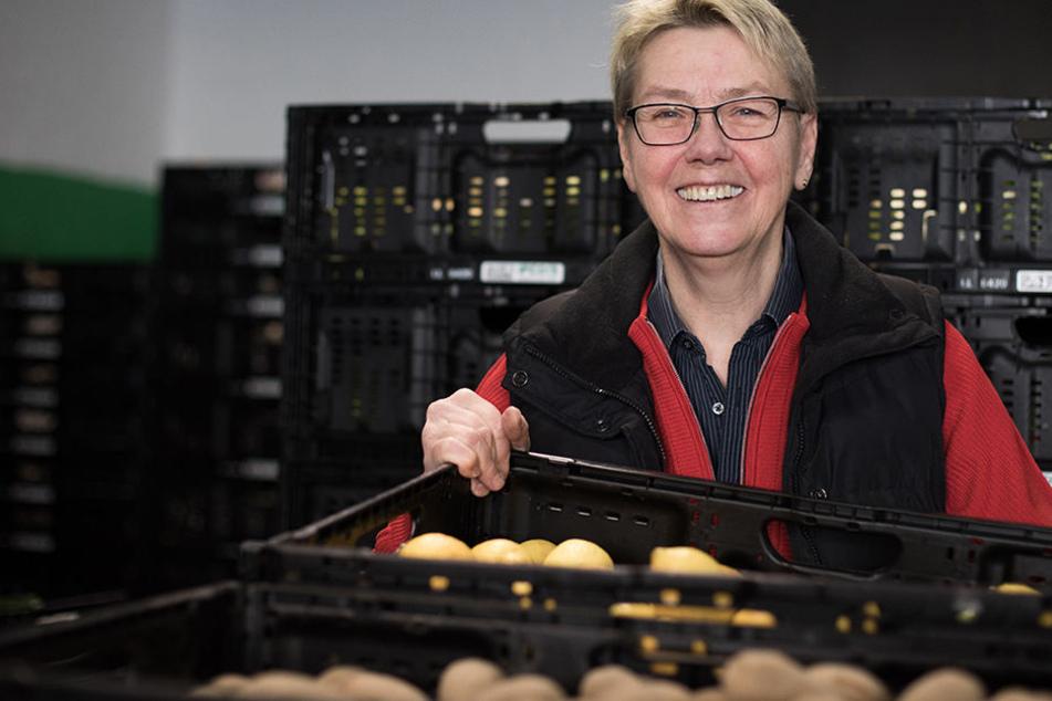 Die Berliner Tafel-Gründerin Sabine Werth im Verteilzentrum ihrer Organisation.