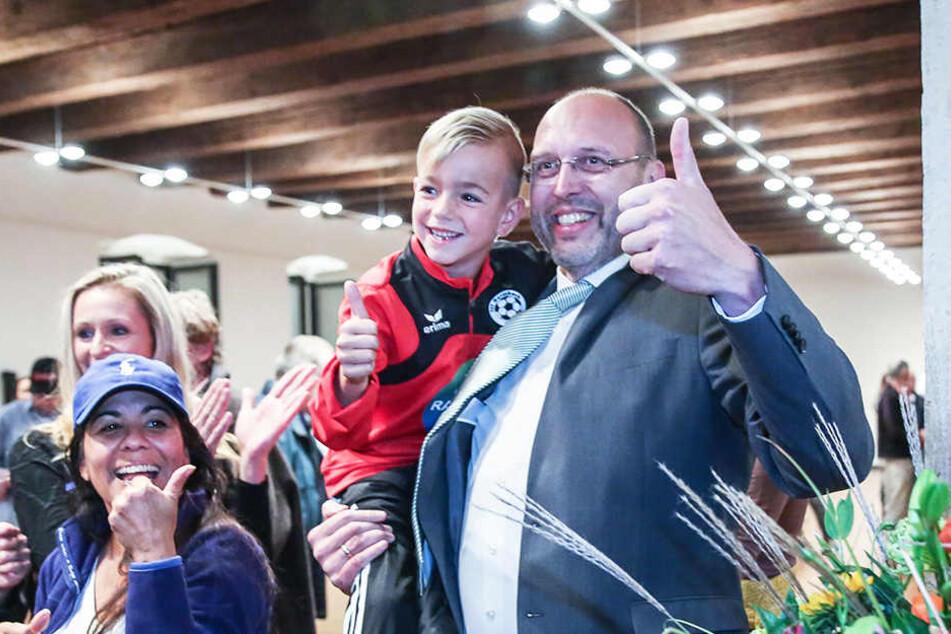 Die Stichwahl hat entschieden: Olaf Raschke (55, parteilos) bleibt OB von Meißen.