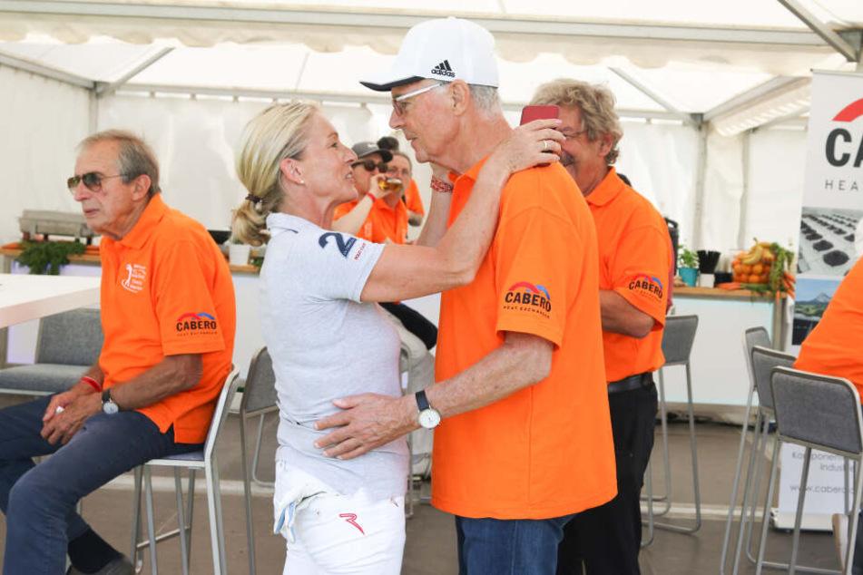 Franz Beckenbauer und seine Frau werden mit dabei sein.