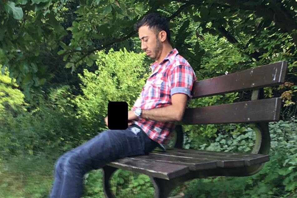 Polizei fahndet! | Mann masturbiert vor 21-Jähriger im Park