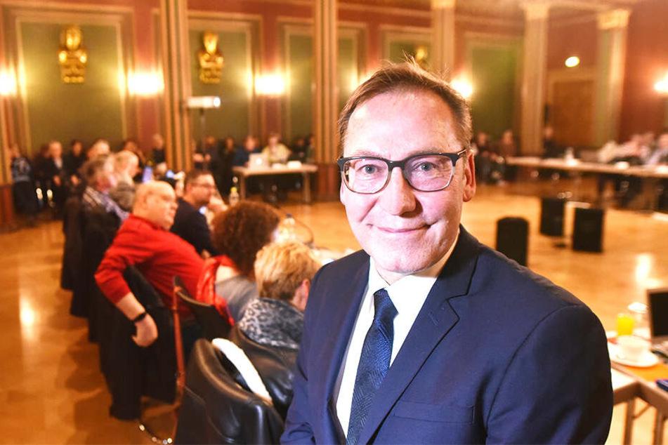 Zittaus OB Thomas Zenker (43) musste der Wahl laut Gemeindeordnung widersprechen.