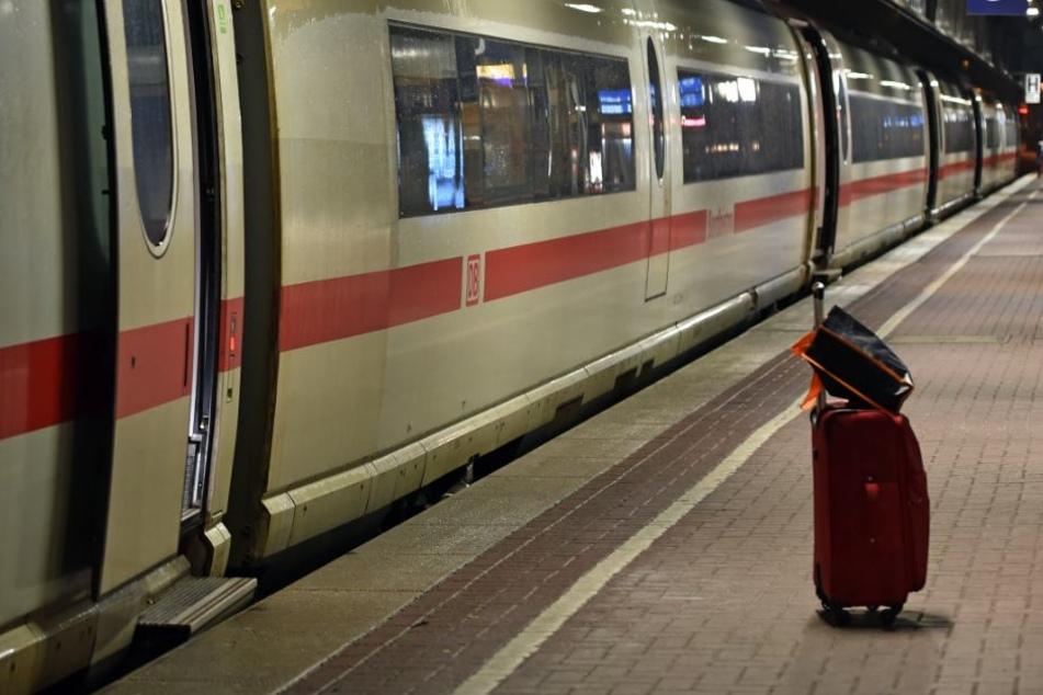 Herrenloser Rucksack in S-Bahn legt Zugverkehr lahm