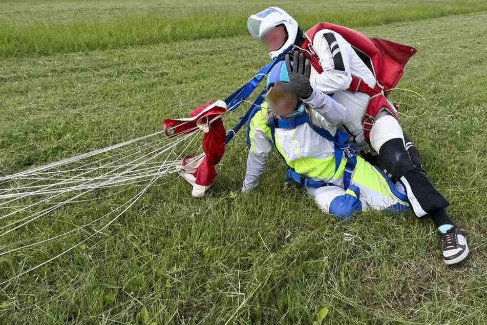 Eine Windböe traf die Flieger schwer: Bei der Landung verletzte sich die Frau schwer. (Symbolbild)