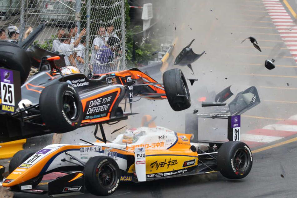 Beim Rennen der Formel 3 in Macao war Sophia Flörsch schwer verunglückt.