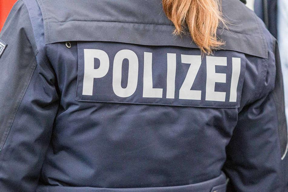 Die Beamten konnten die 53-Jährige bei der Tat am Sonntag in Mülheim/Ruhr überwältigen. (Symbolbild)
