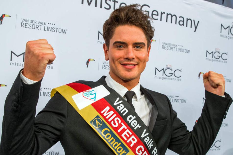 Dominik Bruntner jubelte im Dezember 2016 zur Wahl des Mr. Germany 2017.