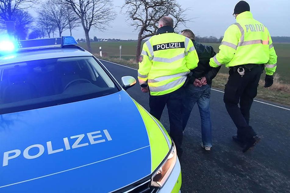 Die Polizei konnte einen Mann schließlich festnehmen. (Symbolbild)