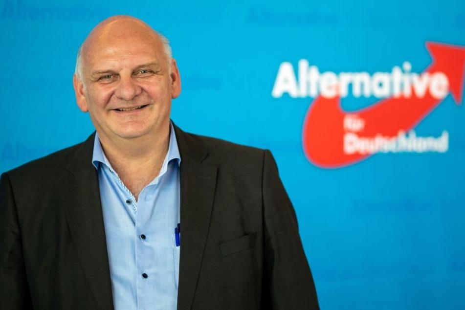 Franz Bergmüller, Bezirksvorsitzender der AfD in Oberbayern, aufgenommen während des Landesparteitags der Partei.