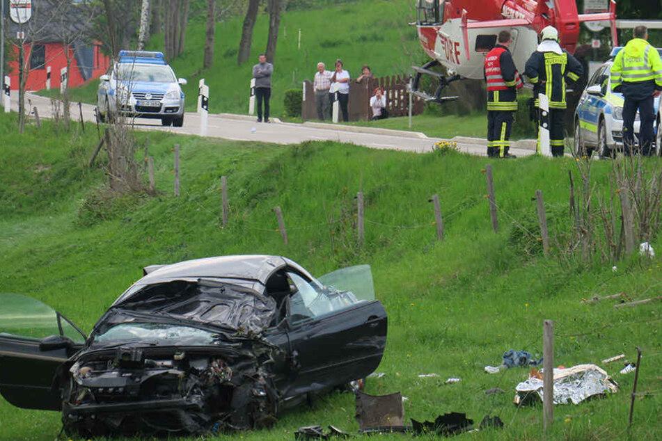 Bei einem Unfall nahe Auerbach wurden sieben Personen verletzt.