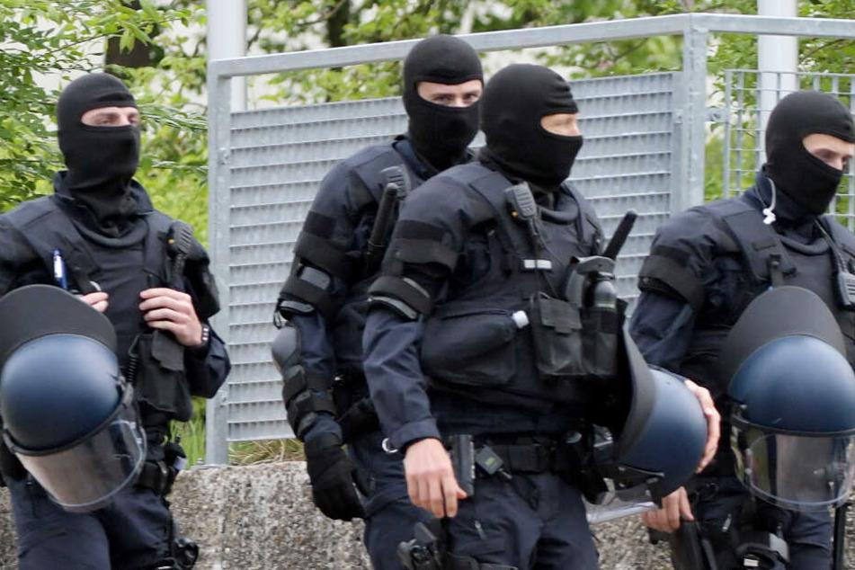 Macheten-Mann rastet völlig aus: SEK-Einsatz bei Aschaffenburg