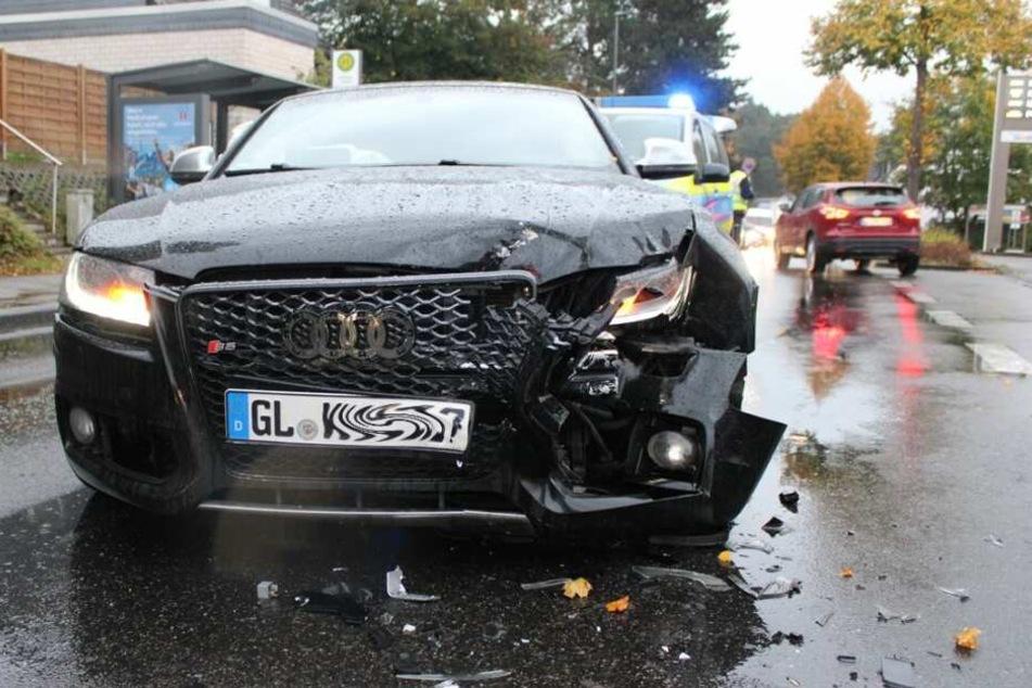 Der Audi S5 nach dem Unfall.