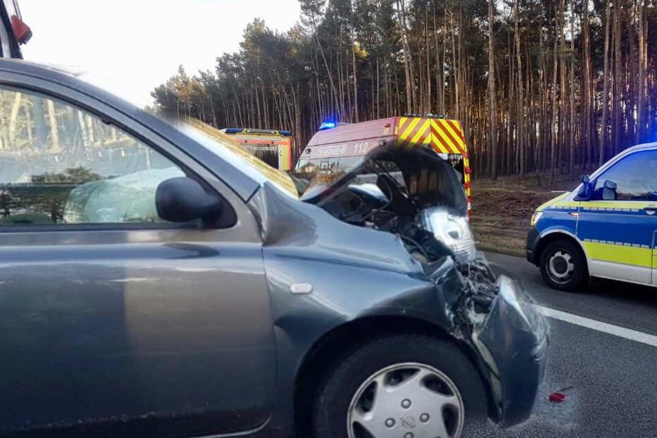 Mehrere Verletzte, darunter Kleinkind: Autos krachen auf der A10 ineinander