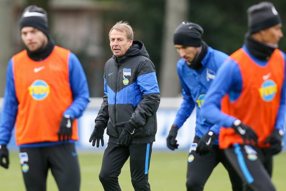 Jürgen Klinsmann beim Trainingsauftakt.