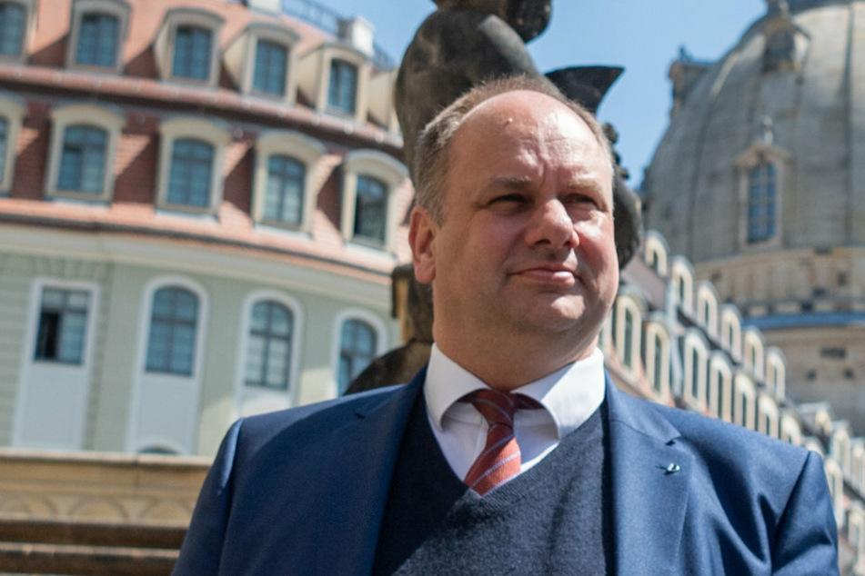 Dirk Hilbert (49, FDP), Oberbürgermeister von Dresden, ruft dazu auf, Rassismus in der Stadt nicht zu tolerieren.