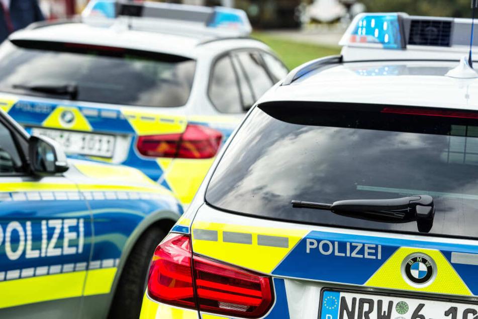 Die Polizei ermittelt zu dem Vorfall und sucht Zeugen (Symbolbild).