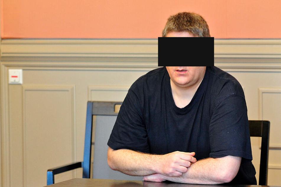 Marcel S. (42) muss wegen sexuellen Übergriffs zwei Jahre in den Knast.