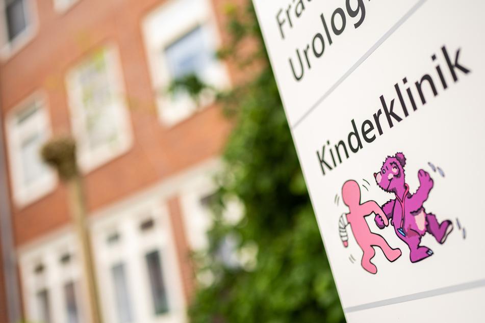 Die Kinderklinik am Klinikum Oldenburg. Das frühgeborene Baby war nach Klinik-Angaben am 7. Juni auf der Intensivstation gestorben. (Archivbild)