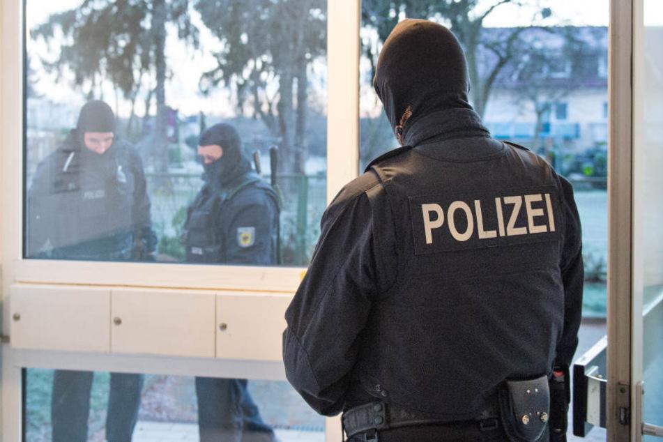Die Polizisten waren eigentlich auf der Suche nach Betäubungsmitteln. (Symbolbild)