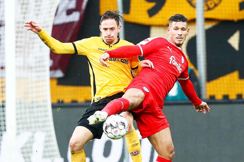 Auch Jannik Müller (l.), hier im Hinspiel gegen den Kieler Heinz Mörschel, wird am Sonntag von Beginn an auf dem Rasen stehen.