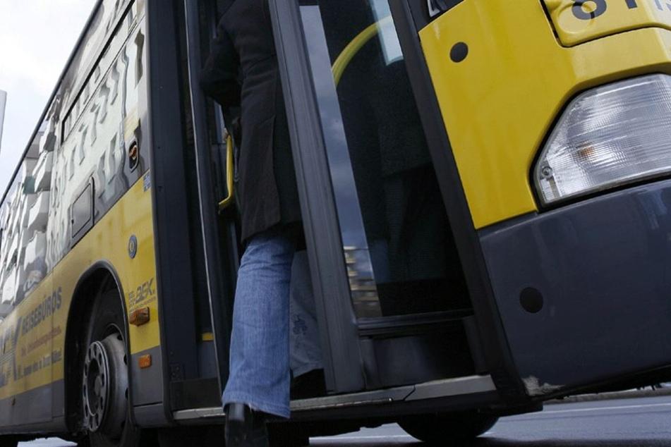In einem Bus der Linie 129 ereignete sich der beängstigende Vorfall (Symbolbild).