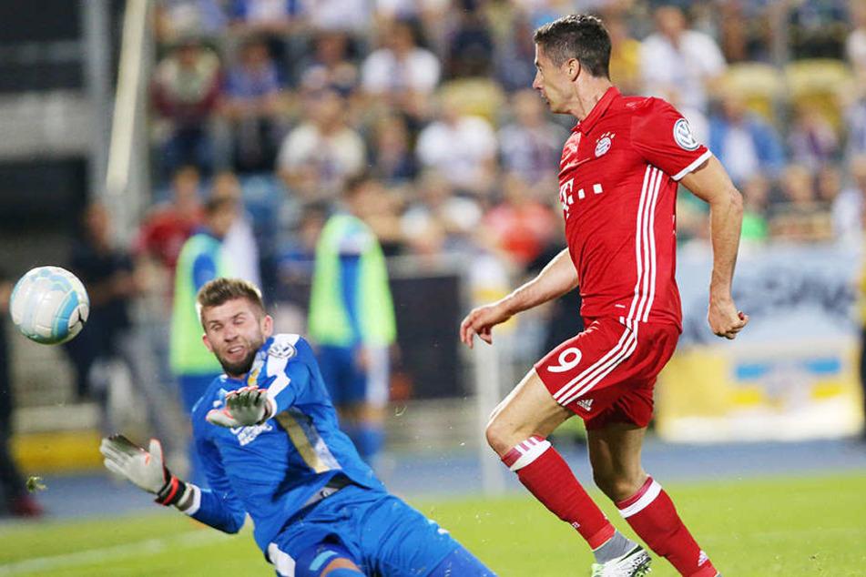 Robert Lewandowski erlegte Jena fast im Alleingang und schoss die ersten drei Tore.