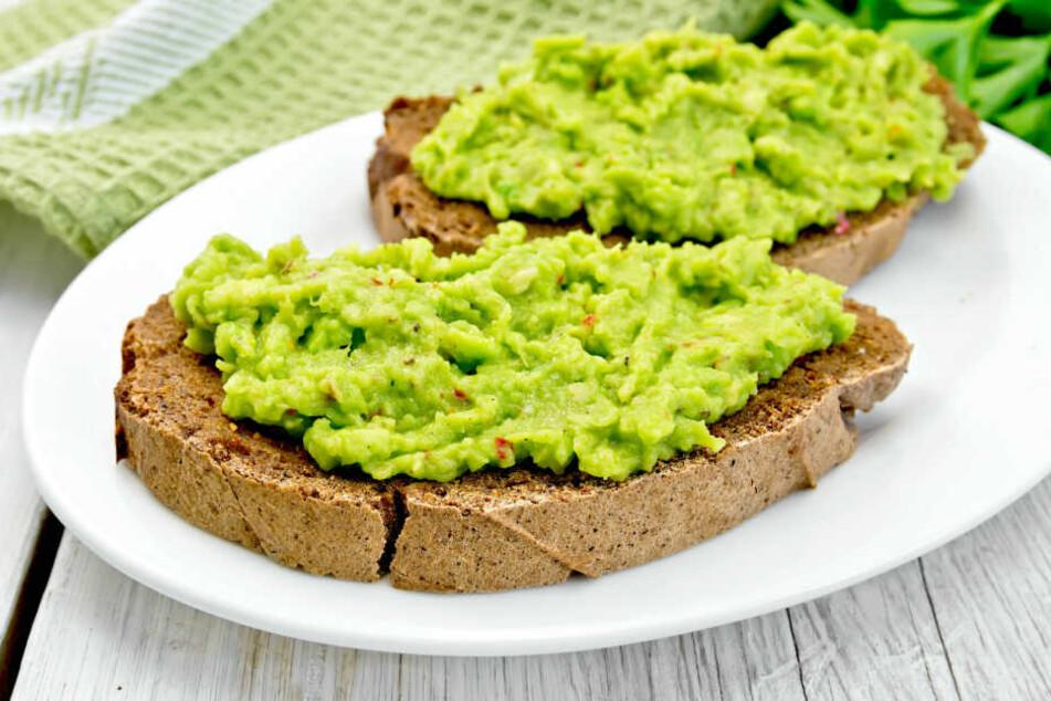 Eine leckere Guacamole aus Avocado. So ähnlich dürfte es sich die 60-Jährige am Buffet einer Hochzeitsfeier gedacht haben. Doch es war keine Avocado, die die Frau aß.
