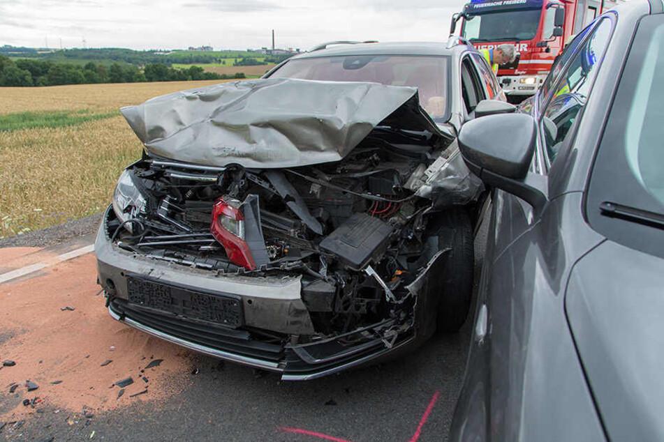 VW kracht in Fiat: Frau schwer verletzt