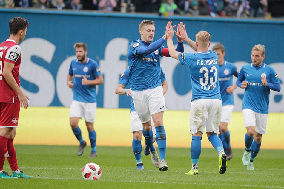 Am Ende feierte die Hansa-Kogge einen klaren Erfolg gegen den 1.FC Kaiserslautern.