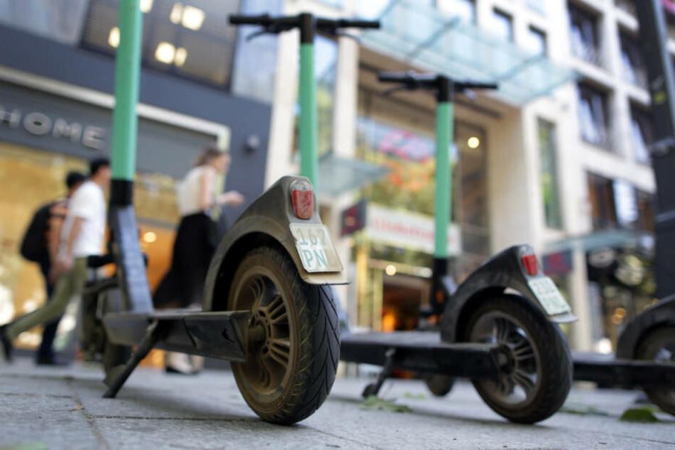 Seit dem 15. Juni dürfen E-Scooter im Straßenverkehr benutzt werden.