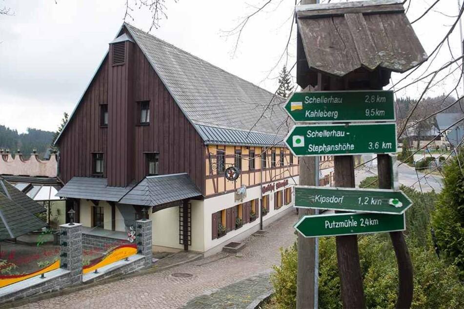 """Hier ist der Biker König: Der Gasthof Bärenfels ist einer von Sachsens """"Motorradfreundlichen Hotelbetrieben""""."""