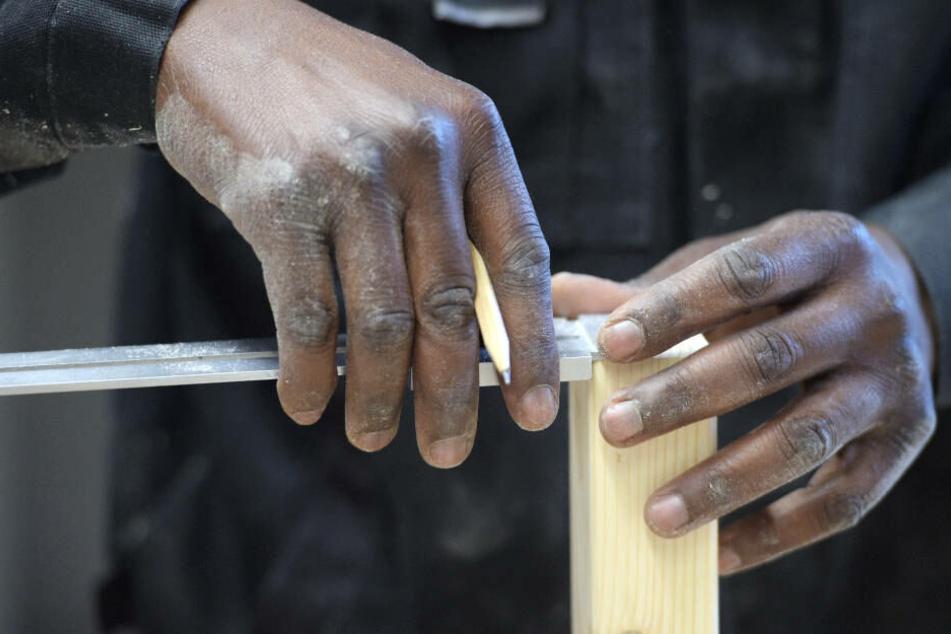 Für Flüchtlinge soll es einfacher werden, in ihren Jobs nachqualifiziert zu werden.