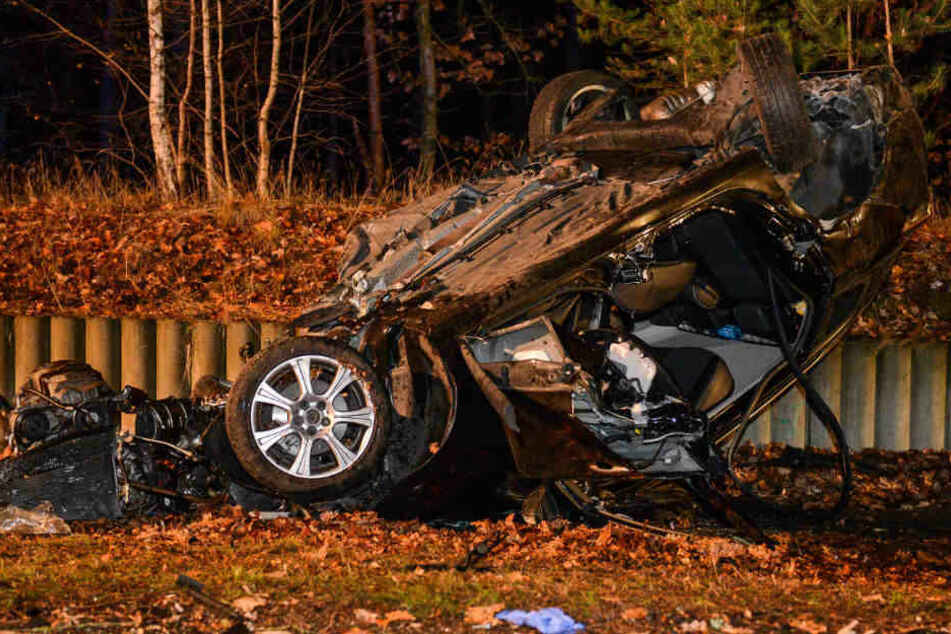 Ein Mann ist bei dem Unfall gestorben.
