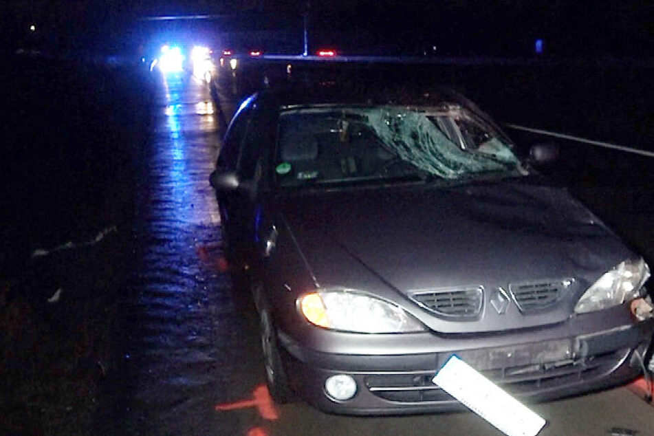 Er wollte zu Fuß über die Autobahn: Mann stirbt auf der A2