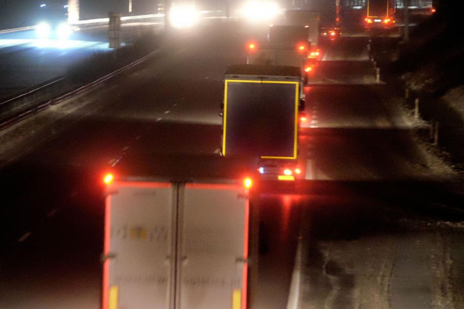 Vollsperrung! Granate mitten auf der Autobahn gesprengt