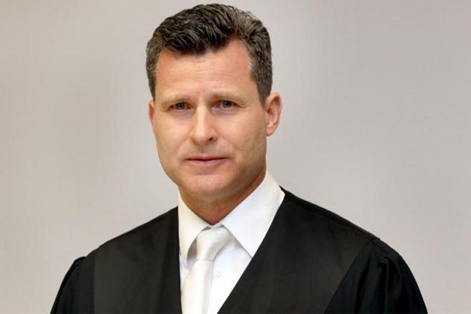 Rechtsanwalt Dr. Detlev Binder vertritt den 46-jährigen Amokfahrer.