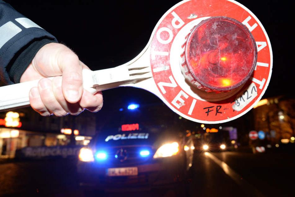 Die Polizei konnten den betrunkenen Mann festnehmen. (Symbolbild)