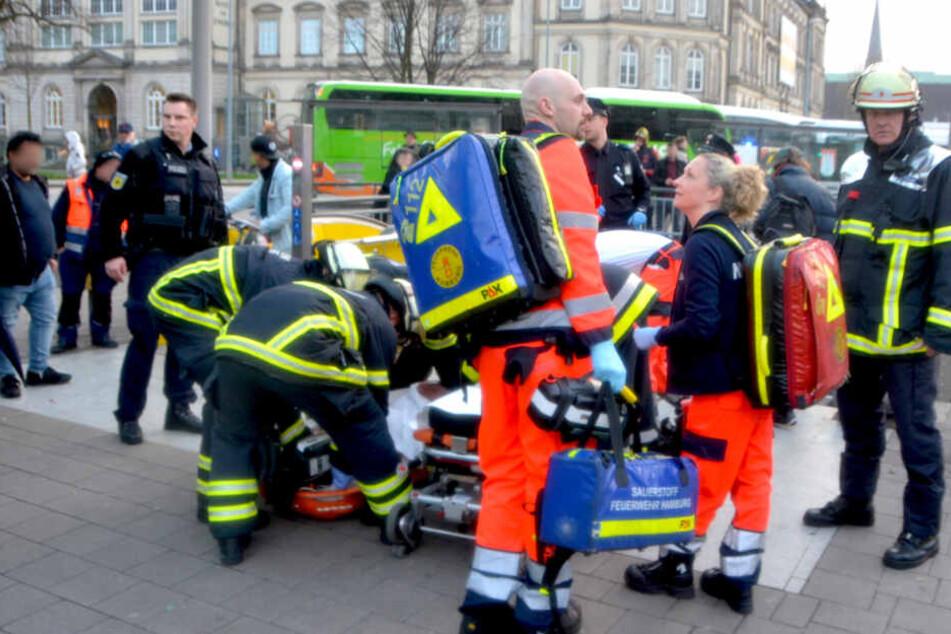 Messerstecherei am Hamburger Hauptbahnhof: Mutmaßlicher Angreifer auf der Flucht