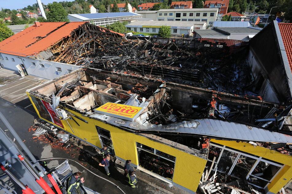 Das Gebäude ist durch das Feuer zu großen Teilen eingestürzt.