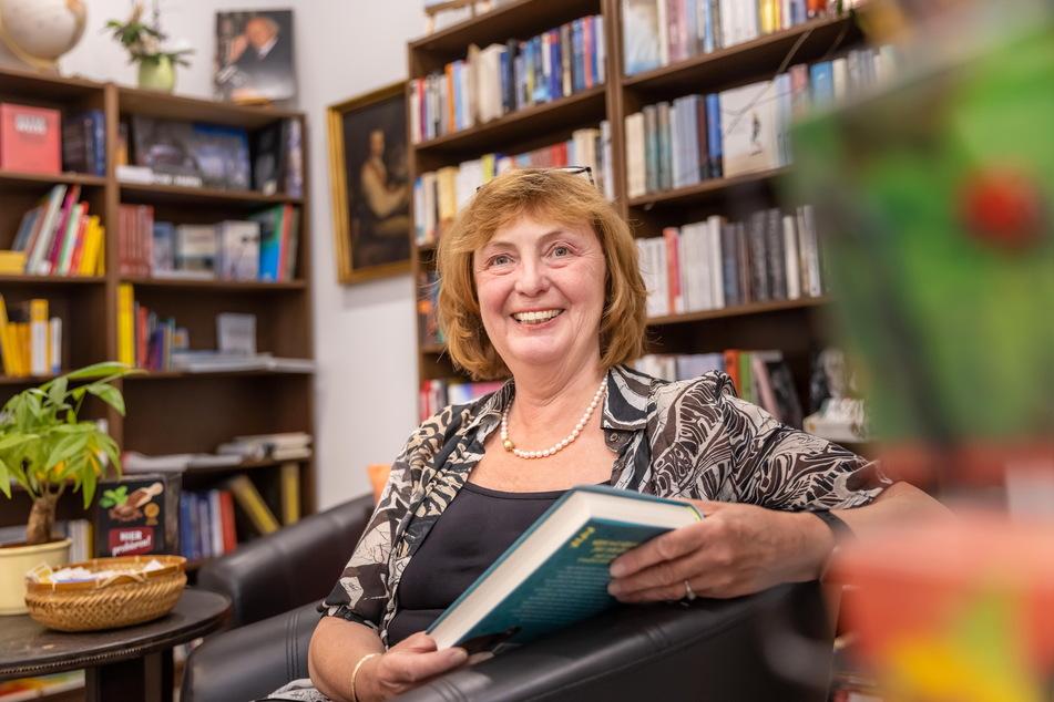 Buchhändlerin Iris Müller (62) hält nichts von einer zusätzlichen Öffnung der Center.