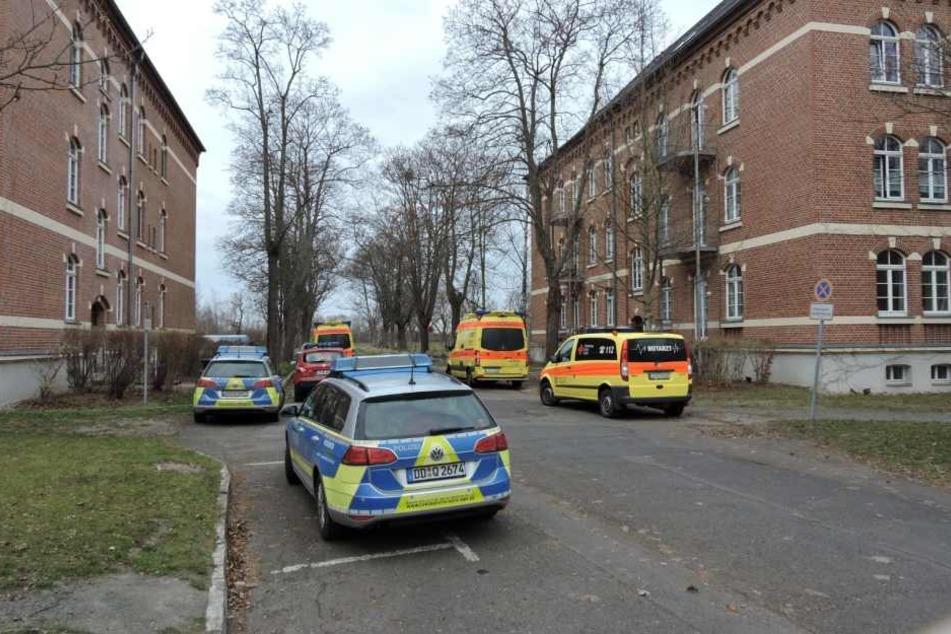 Neben der Feuerwehr eilten auch Streifen-, Rettungswagen und ein Notarzt zu dem Gebäudekomplex im Nordwesten Wurzens.